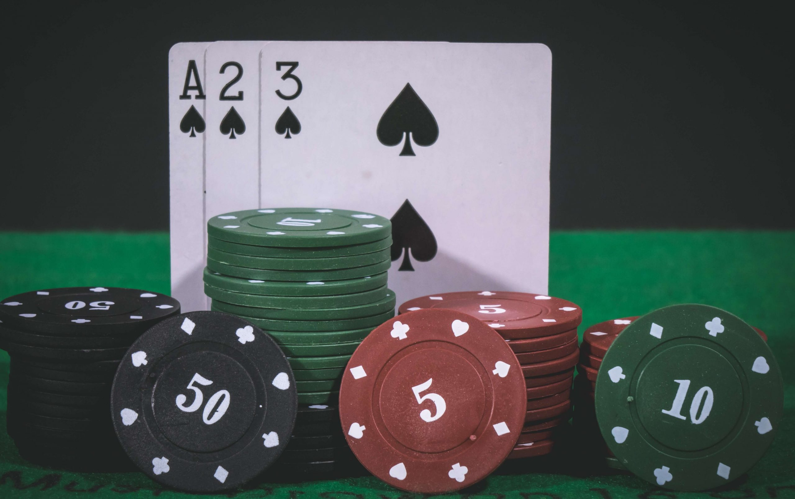 3cards_and_chips