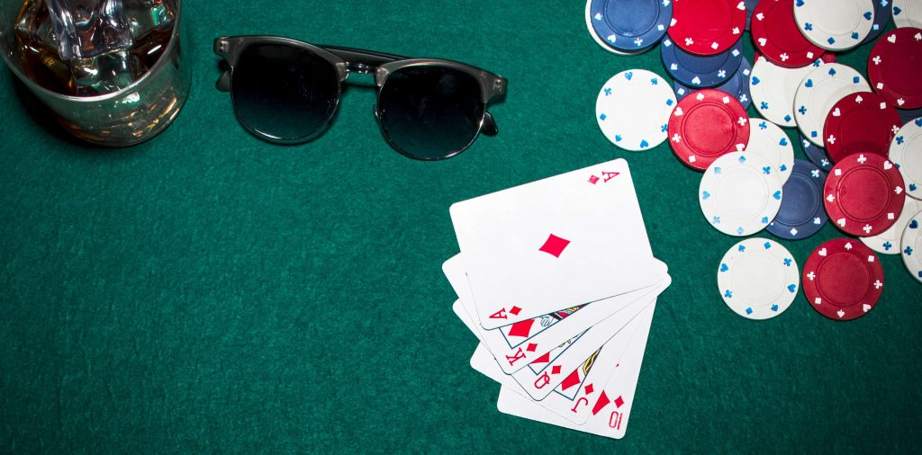 cards_chips_glasses